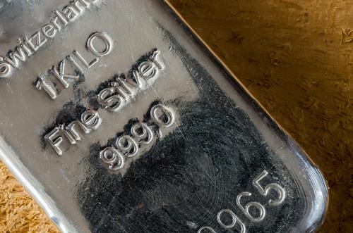 L'argento continua a brillare