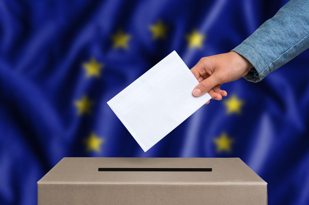 Borse europee: apertura positiva sull'esito elezioni europee