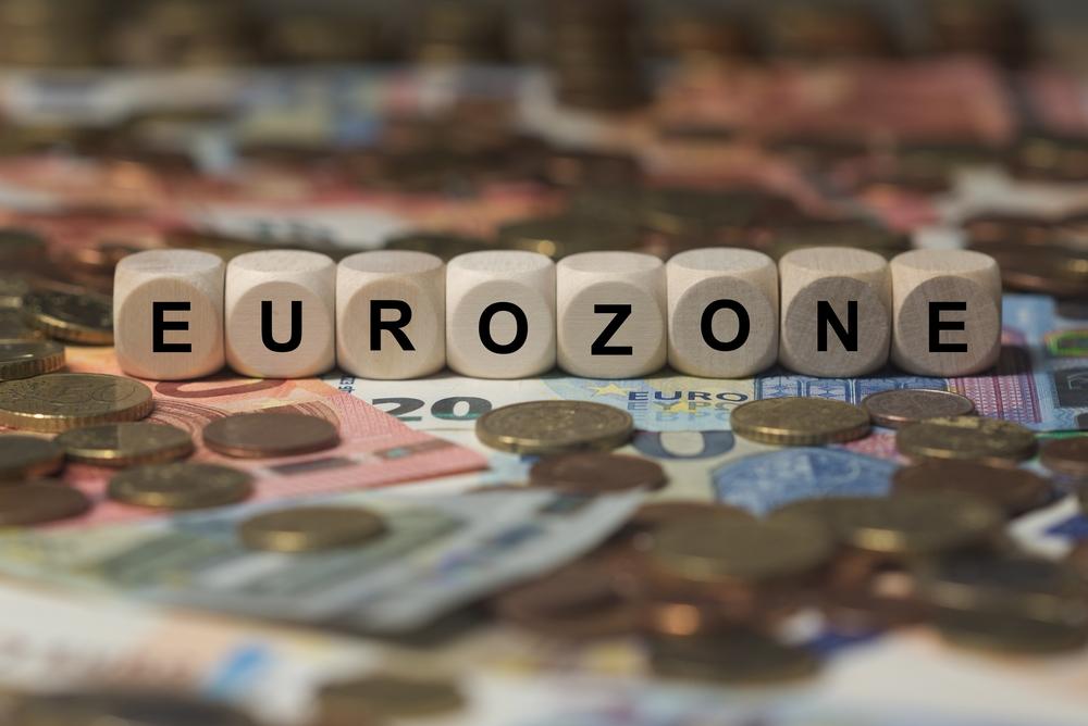 Eurozona: atteso dato fiducia consumatori