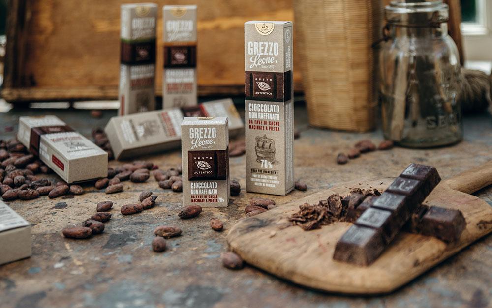 Nasce Grezzo Leone, un caleidoscopio di sapori tra fave di cacao, zucchero di canna e vaniglia