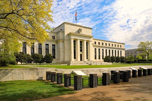 Fed conferma i suoi piani malgrado timori del mercato