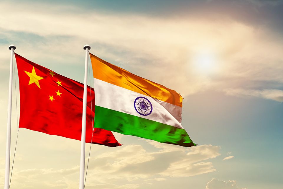Cina e India continuano a crescere