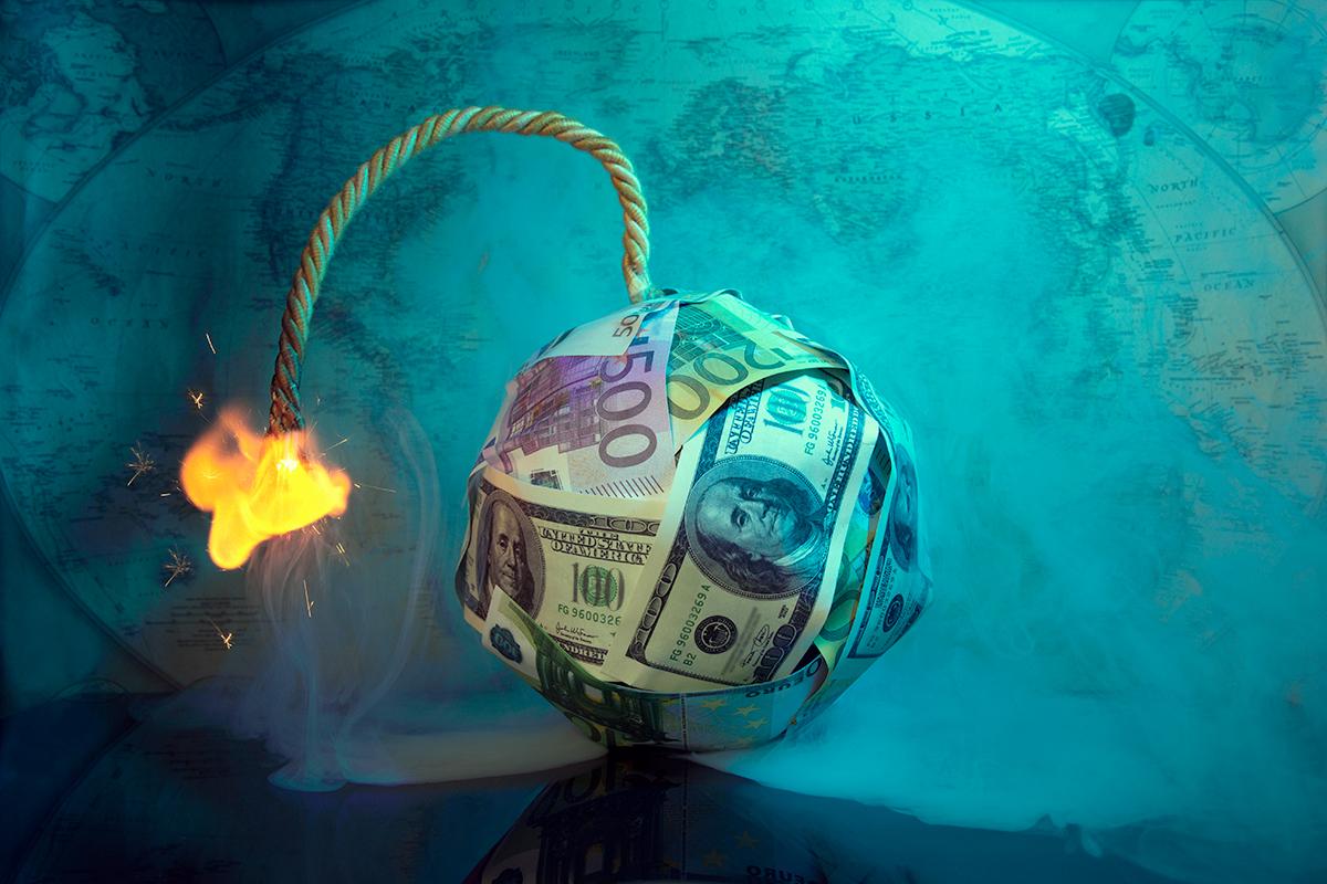 """Em Bond: """"Aumento debito pubblico è il principale fattore di rischio"""""""
