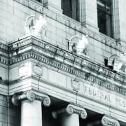 Wall Street chiude in rialzo, in attesa della decisione della Fed