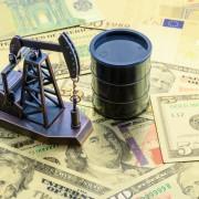 Petrolio, domanda solida ma attenzione al trend dollaro